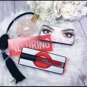 NEW Huda Bundle X 2 Lipstick & False Eyelashes
